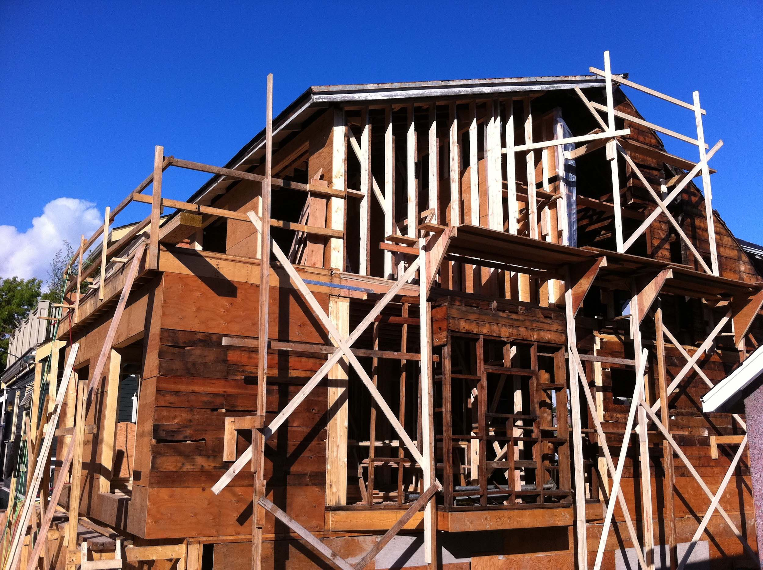Postle_Construction_WoodFraming11.jpg