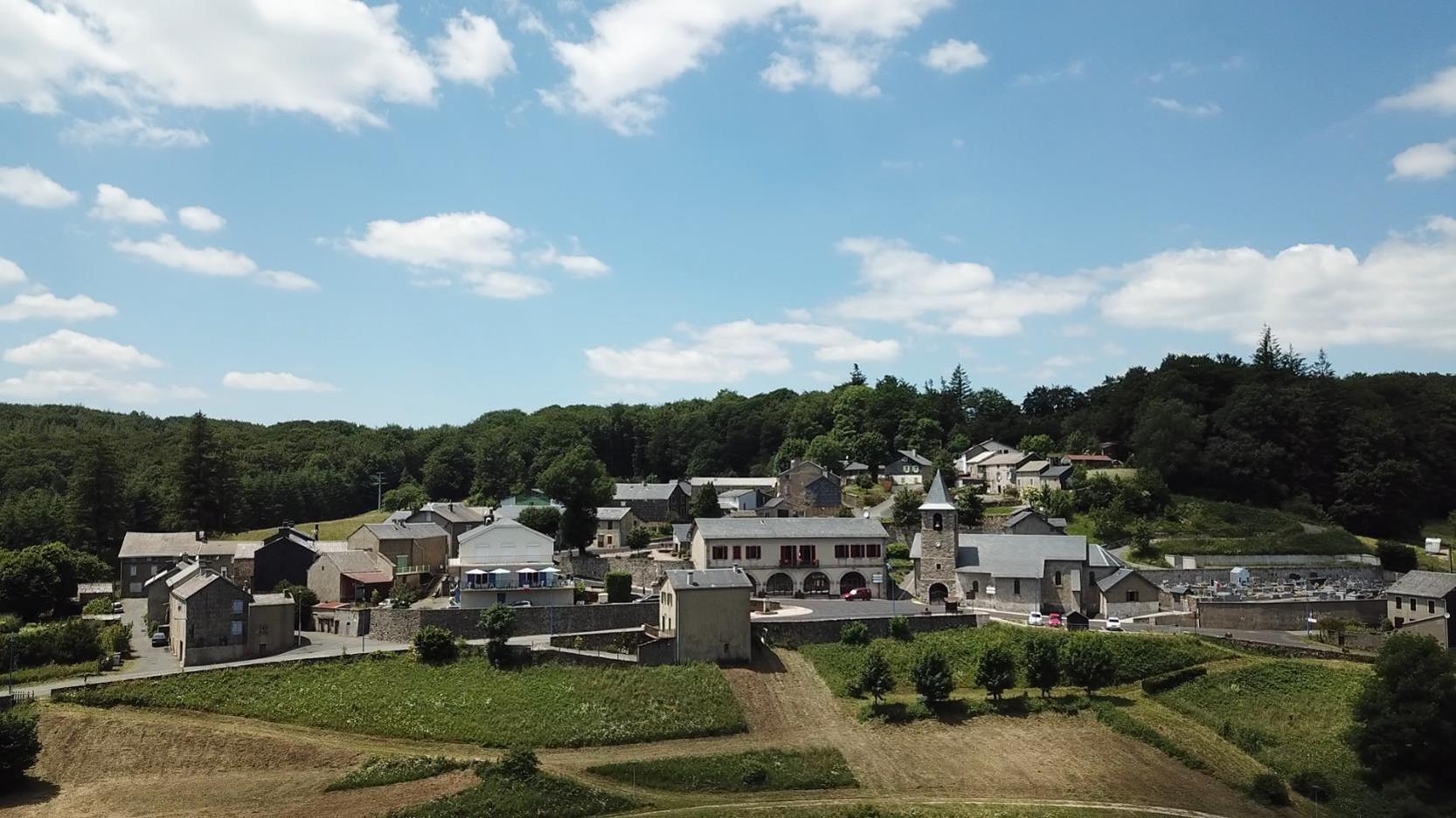 Le Soulié, ce village de Haut Languedoc proche de cette forêt, d'où jaillit notre source..