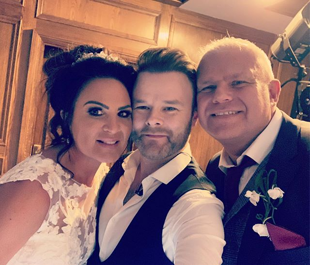 What a lovely couple these were @bredburyhallhotel '''twas a great day packed with entertainment. @jkasrobbie made an appearance and was fantastic. Thanks for having me mr & mrs Rooney. #weddingsingers #bredburyhall #weddingentertainment #weddingpianistandvocalist