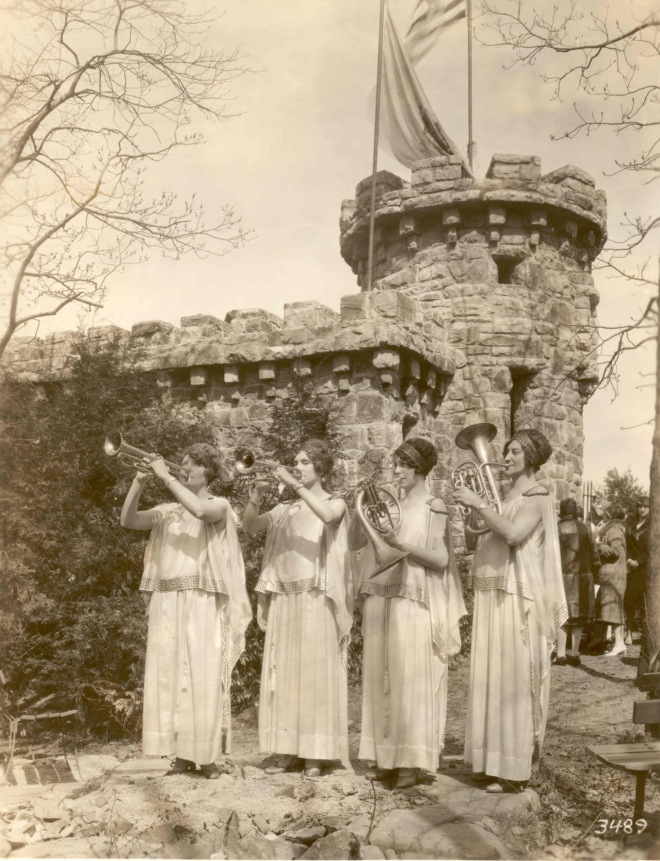 "1895-1896 - The first Palisades study commission was established.Englewood Women's Club was formed as a new chapter of the NJ Federation of the Women's Clubs. Elizabeth Vermilye, Adaline Sterling and Mrs. Chester Loomis on ""inquiry concerning questions of public significance"" and sharply focusing on the Palisades."