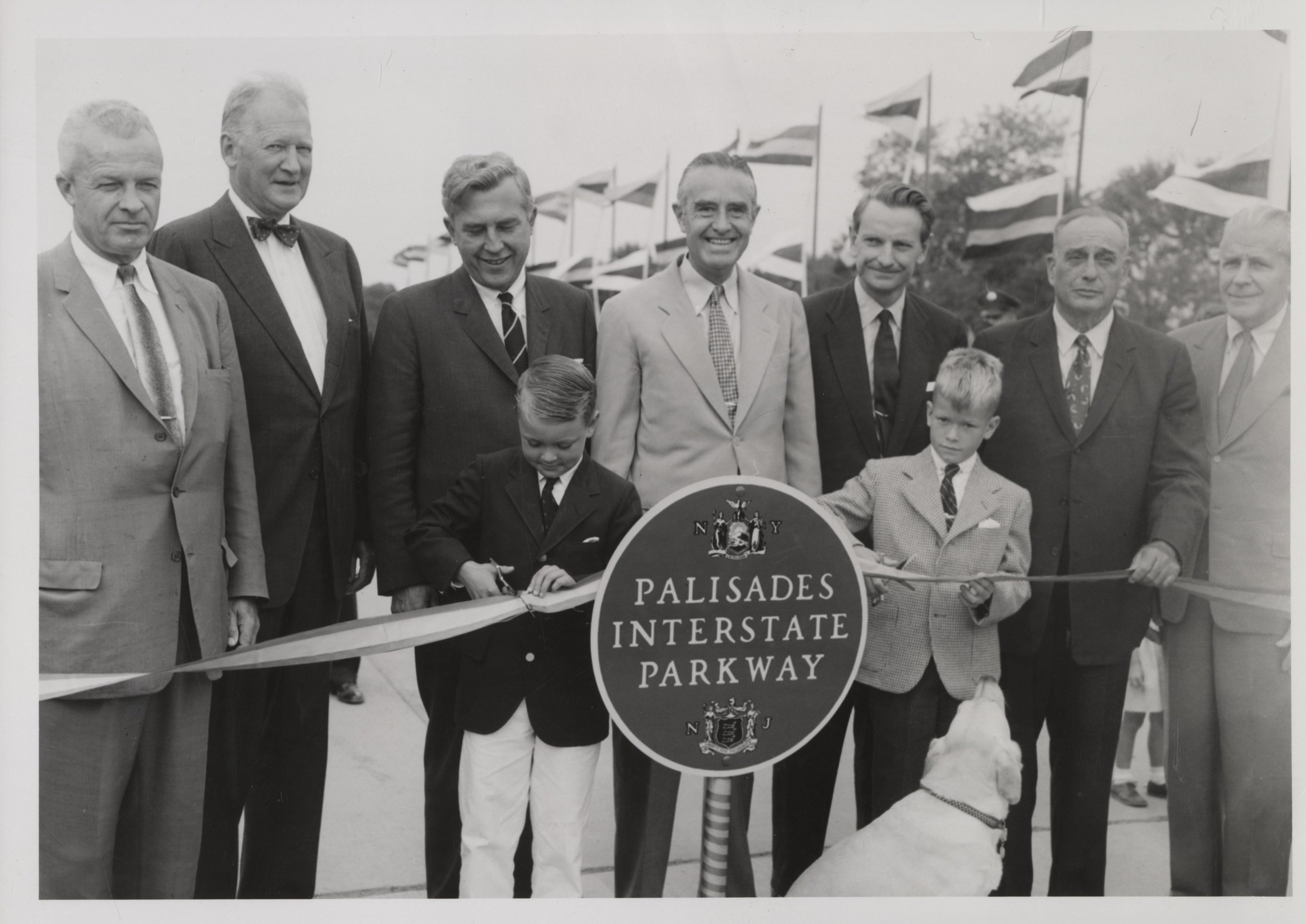 1958 - Dedication of the Palisades Interstate Parkway provided a scenic 42-mile ride from the George Washington Bridge to the Bear Mountain Bridge.