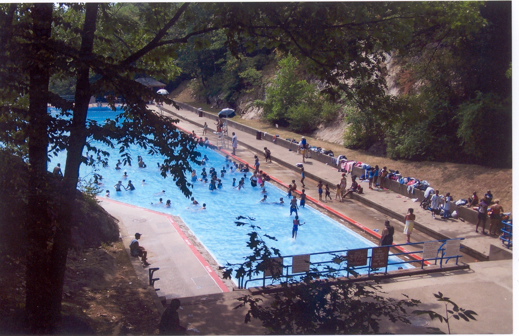 Bear Mountain Pool 2007.jpg