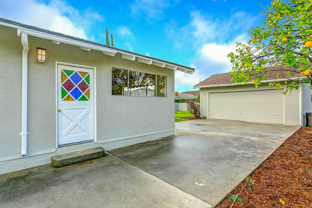 5301 Zadell Ave-MLS-029.jpg