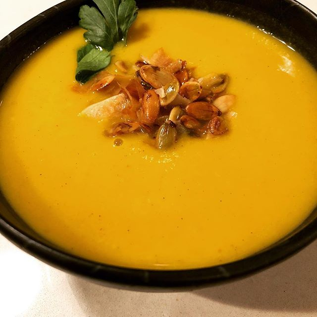 Fall is a beautiful time to celebrate food as medicine. Try all kinds of squash this season (like this kabocha leek soup with nourishing coconut milk) for glowing skin. Pumpkin is packed with vitamins A, C, E, naturally occurring exfoliating acids (like AHA-better eaten than scrubbed on skin), and antioxidants as well as lutein and zeaxanthin (powerhouse protectors of the eyes as well). Nourish your body with intention this fall and your skin will thank you ❤️www.wilderskin.co