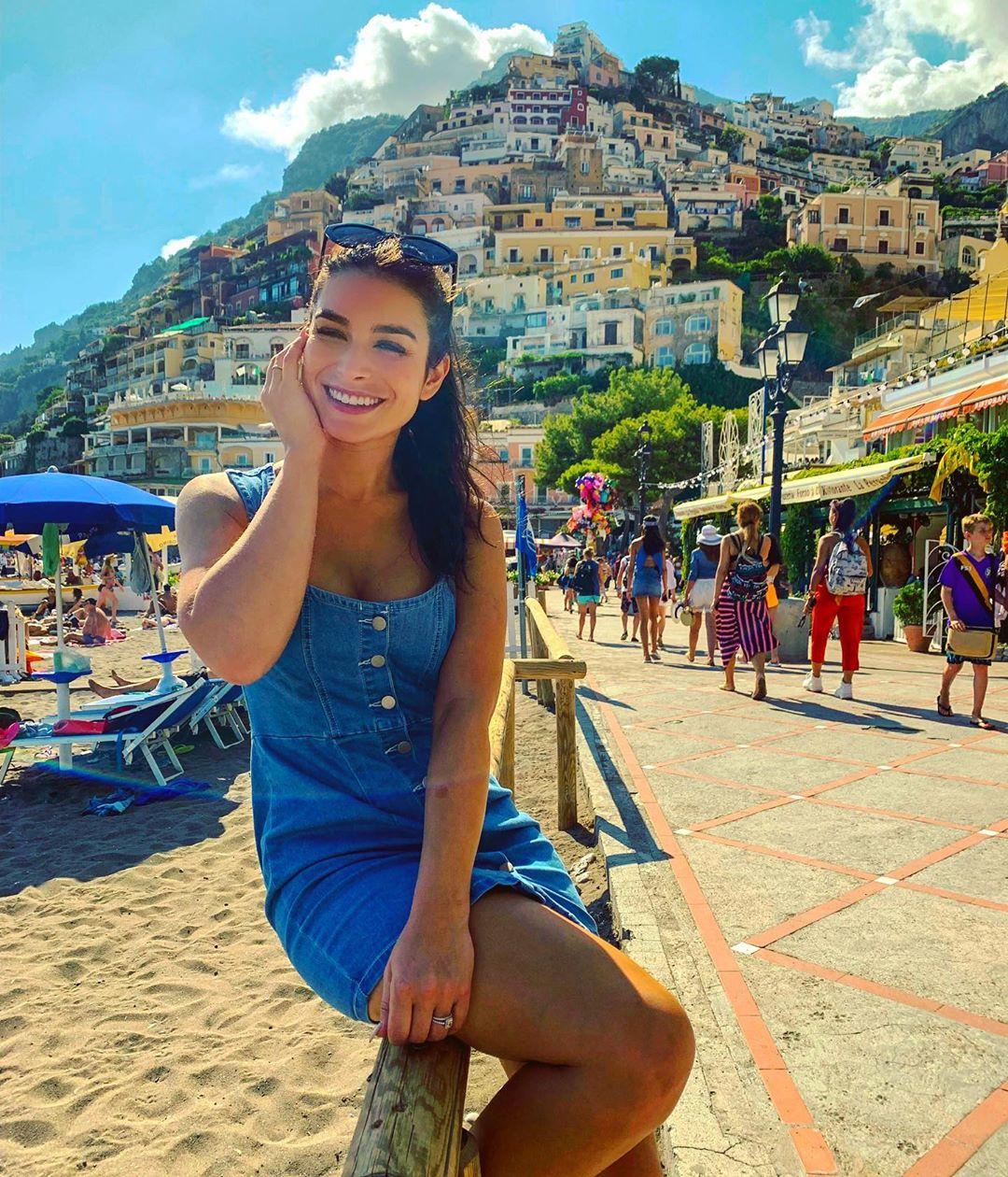 Ashley Iaconetti / Instagram