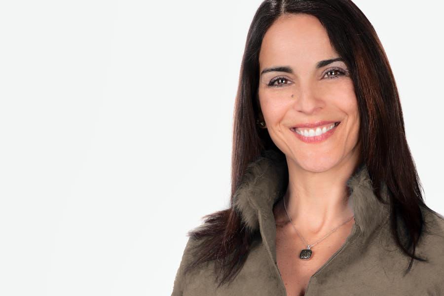 Janine Arrietta, Interior Designer, LinkedIn Headshots