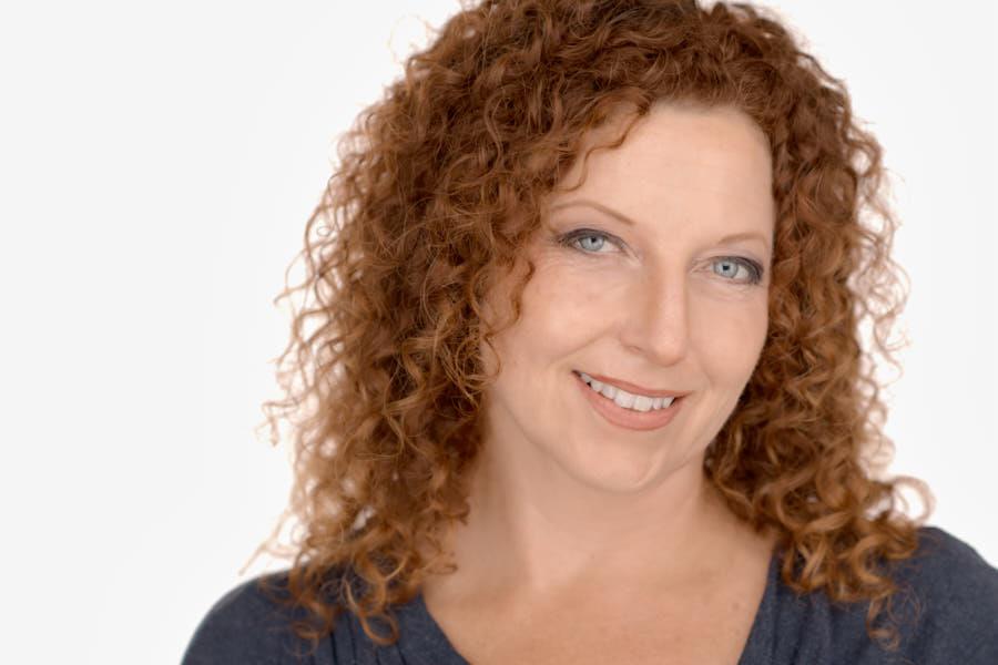 Heidi Mortemnsen, Interior Designer, Portfolio Headshots