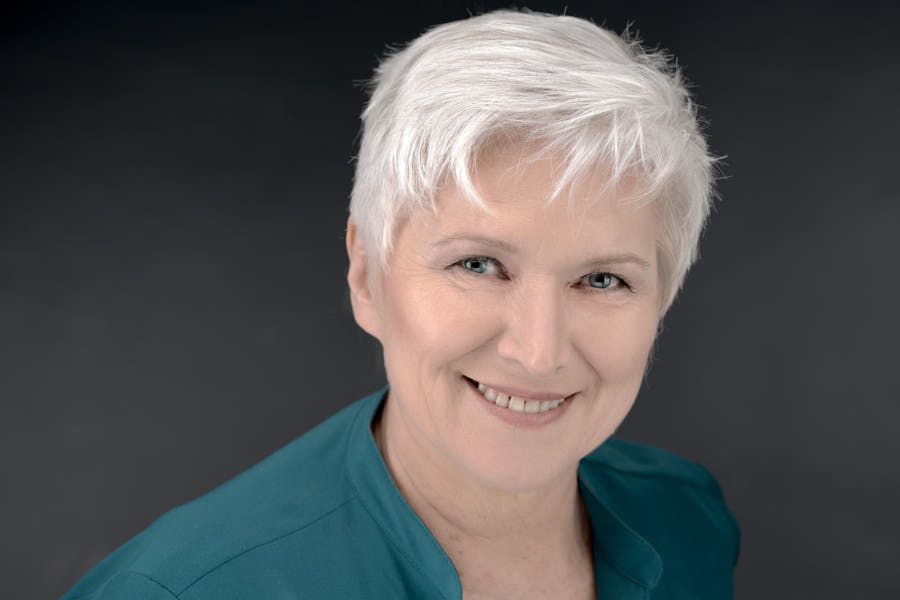 Natalie Miner, Acupuncturist