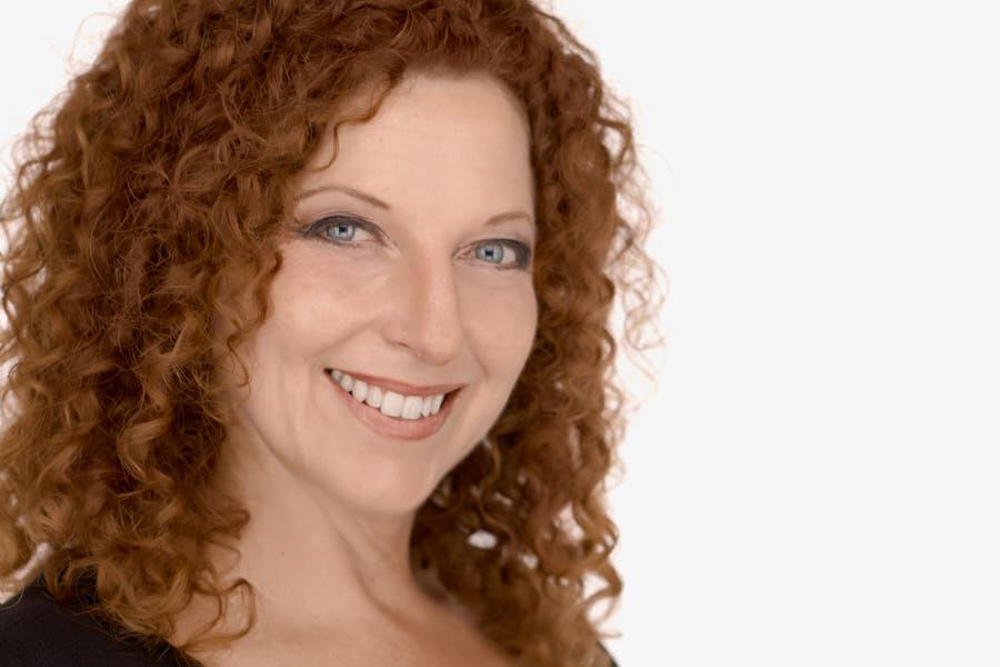 Heidi Mortensen, Interior Designer, women headshots