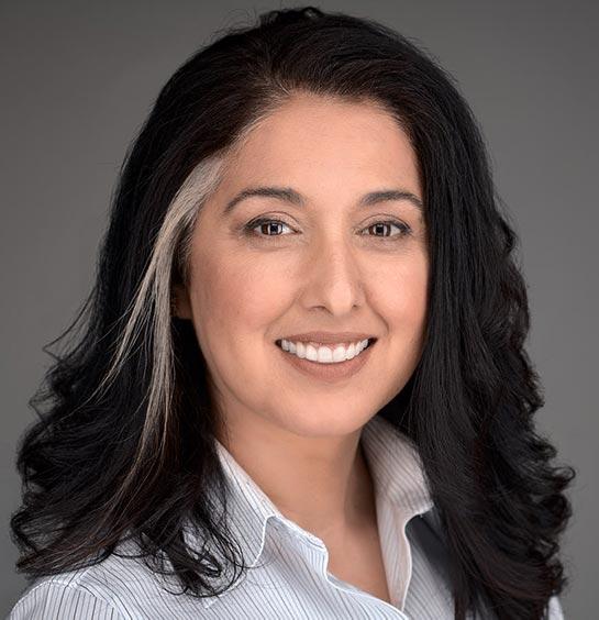 Shazia Gann, Womens headshot, Studio Headshot, Professional Portrait Photography
