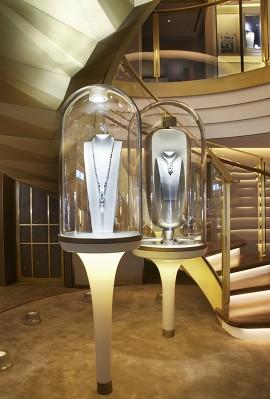 Van Cleef & Arpels New York, jewelry displays