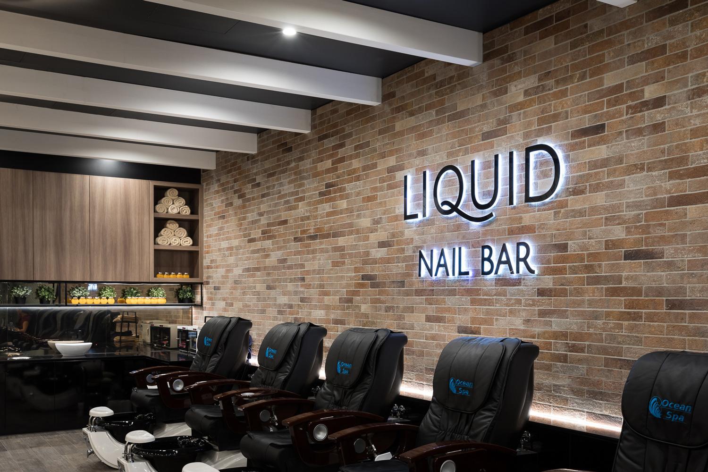 LiquidNailsChairs