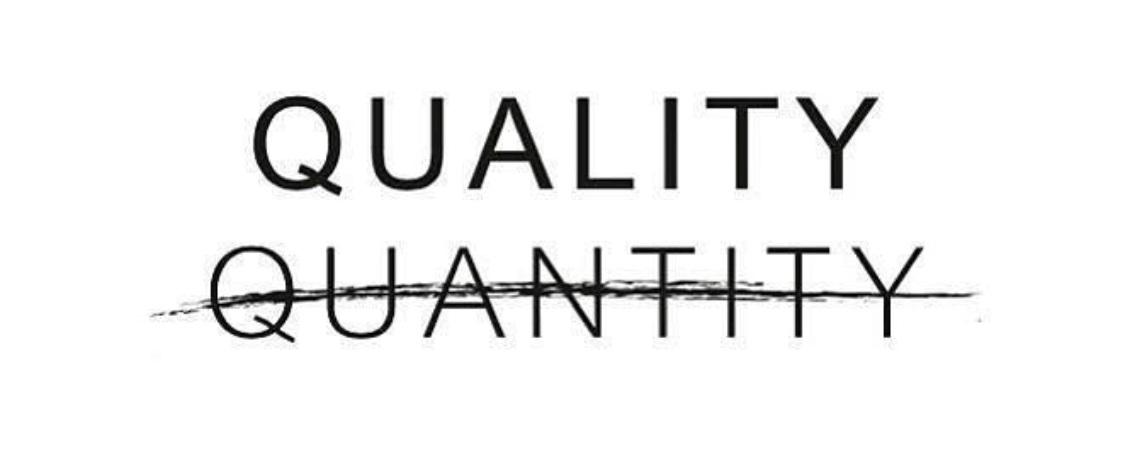 4.  我承認一開始我都以為作為一個sustainable fashion blogger我只可以幫襯'ethical fashion brands'。但事實唔係咁嘅。講到尾個重點唔係喺個牌子度,而係喺我哋嘅價值觀個度。  質量重要過數量。  如果我哋單單因為個牌子而係咁喺呢啲ethical brands度買衫,我哋會完全重點錯放。講到尾要做到sustainable fashion、要有意識咁消費,我哋要選擇一啲可以同我哋過人世(或者一段長時間啦)嘅嘢。