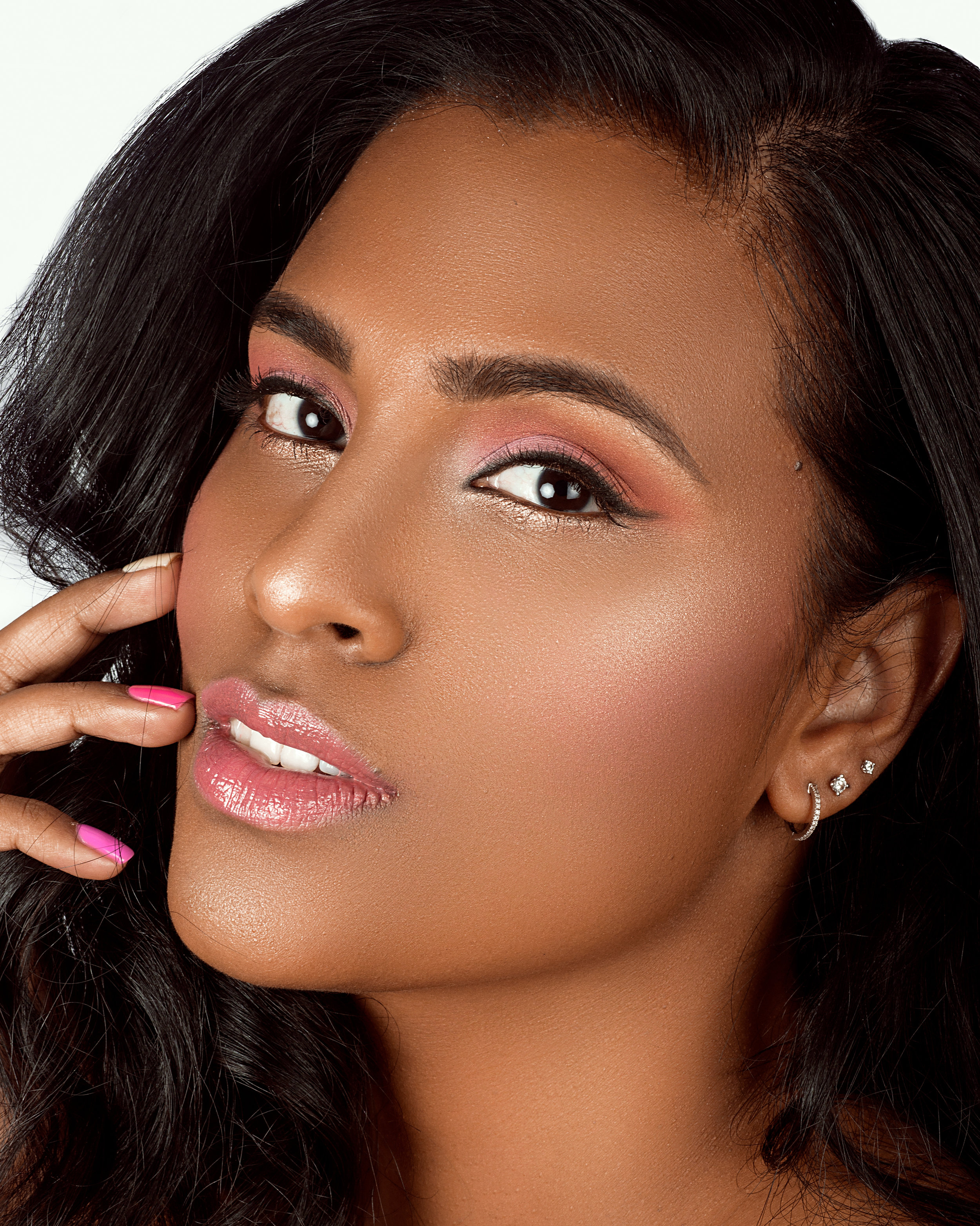 Natural Makeup with Highlighted, Glowing, Dewy Skin and Pink Eyeshadow by Jaynelle Lording