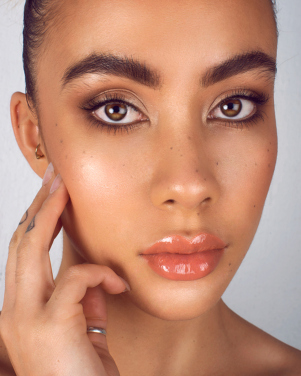 Natural Makeup with Highlighted, Glowing, Dewy Skin by Jaynelle Lording