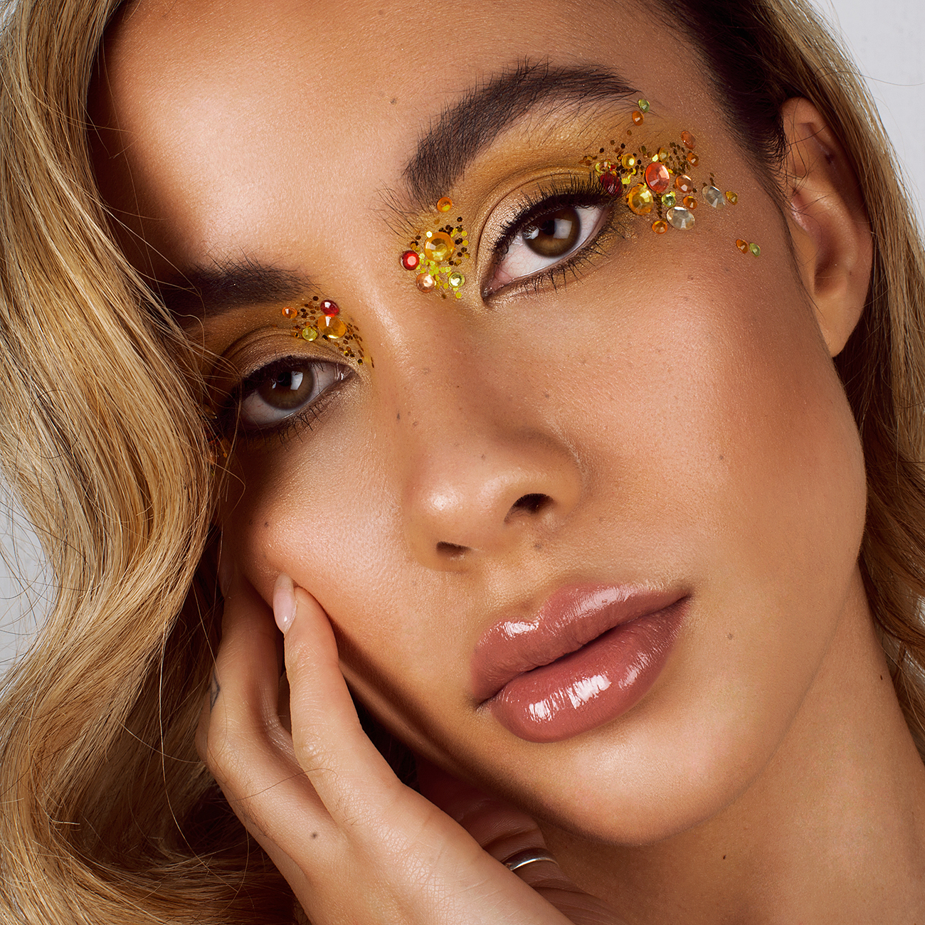 Natural Makeup with Highlighted, Glowing, Dewy Skin, Glossy Lips and Jewels by Jaynelle Lording