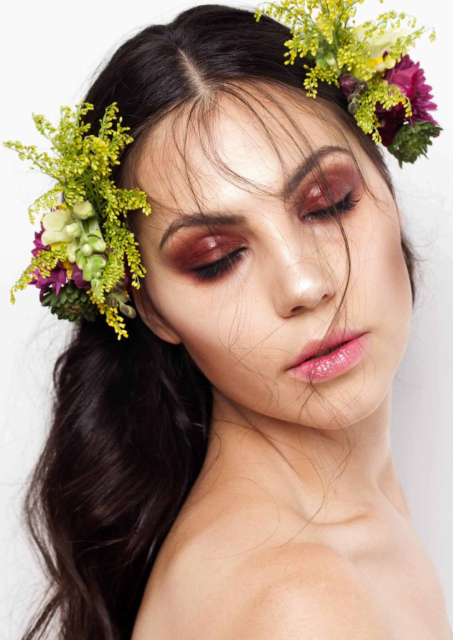 Natural Beauty Makeup with Glowing, Dewy, Highlighted Skin, Glossy Eyes. By Jaynelle Lording