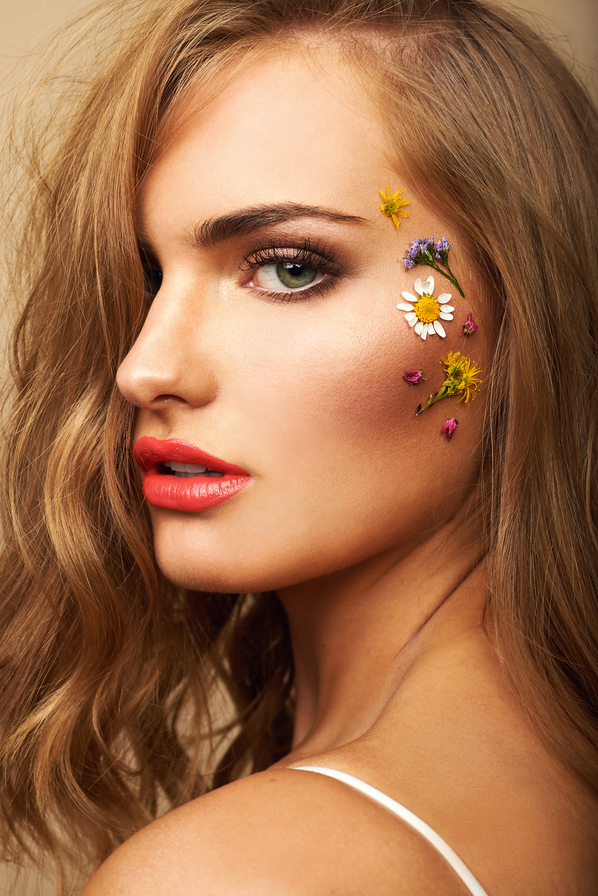 Natural Makeup with Highlighted, Glowing, Dewy Skin And Pressed Flowers by Jaynelle Lording
