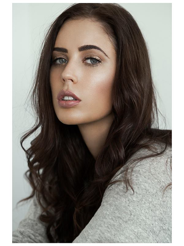 Natural Beauty Makeup with Glowing, Dewy, Highlighted Skin. By Jaynelle Lording