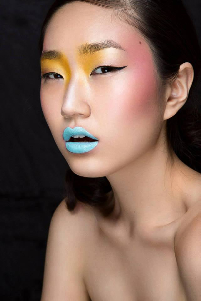 Natural Beauty Makeup with Glowing, Dewy, Highlighted Skin, Colourful Eyes, Blue Lipstick. By Jaynelle Lording