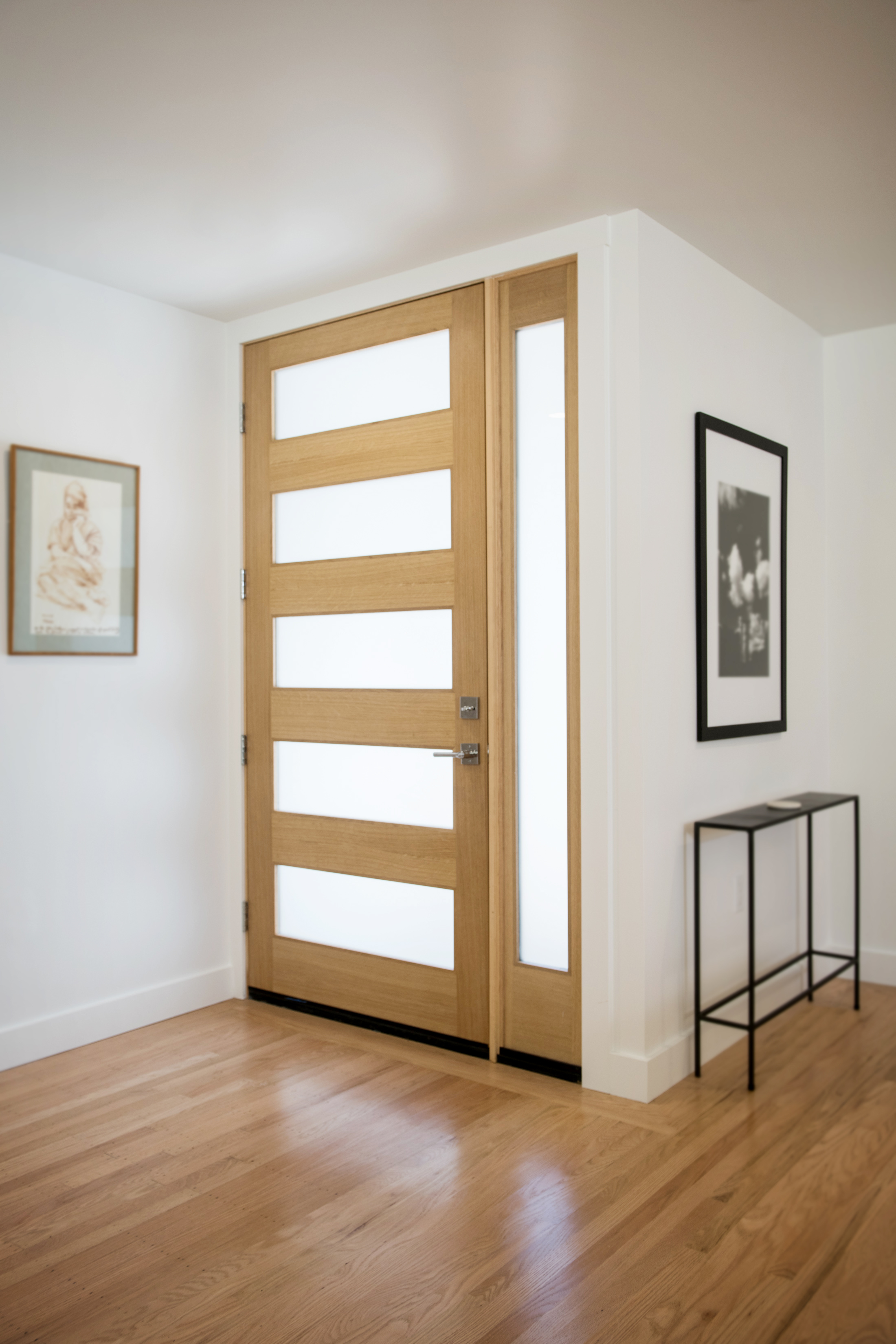 MODERN DOOR.jpg