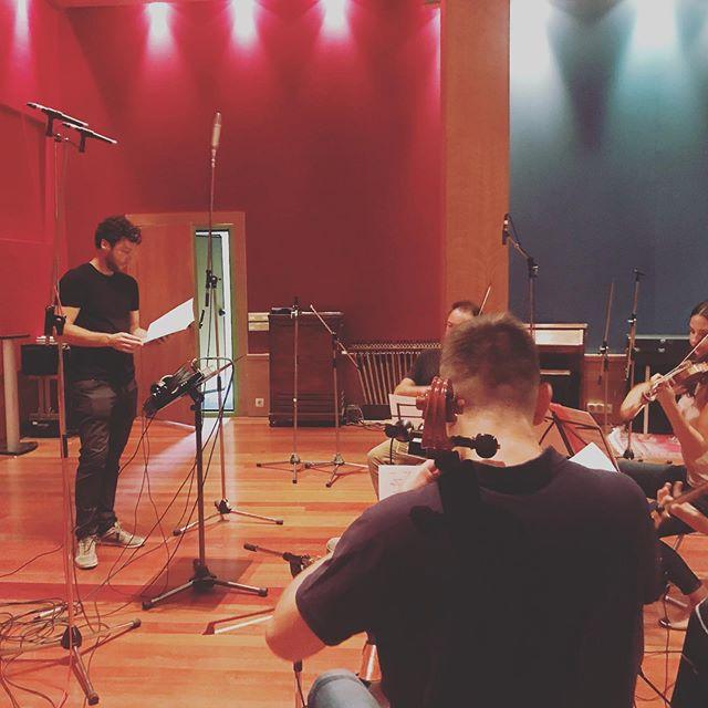 Hoy hemos grabado una parte de lo que será la banda sonora del próximo proyecto. ¡Qué lujo de equipo! #thespanishcomposer #bso #st #filmcomposers #comingsoon