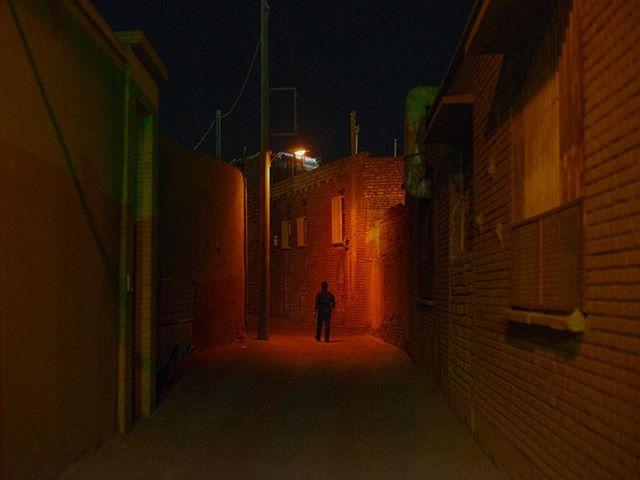 by night.  #iran #streetphotography #somewheremagazine @somewhere.travels #swissphotographer