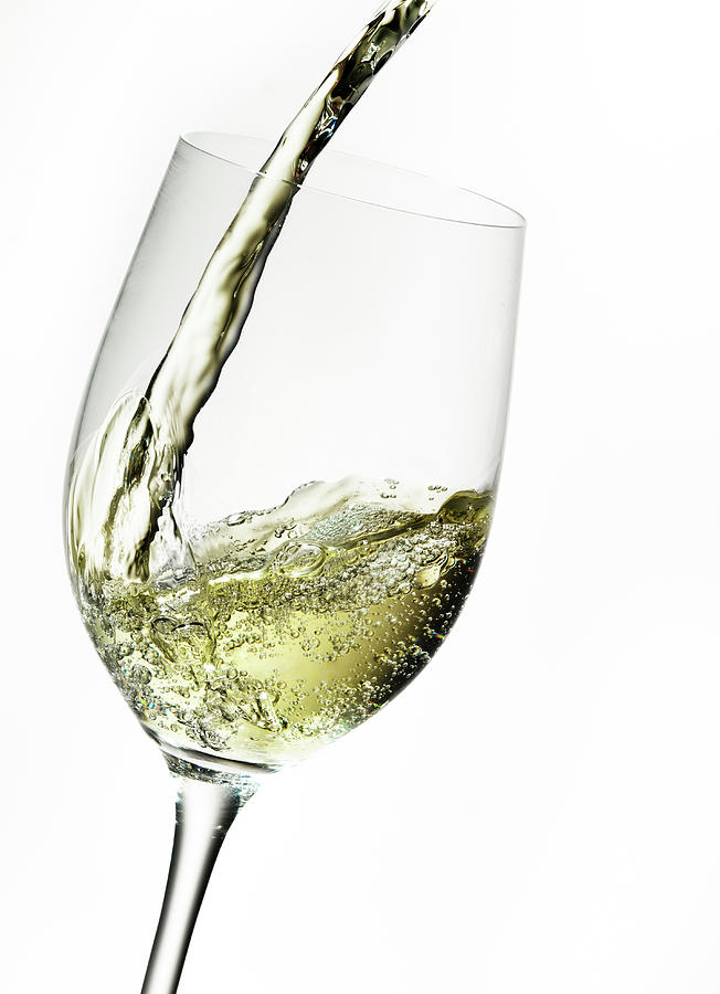 white-wine-pouring-into-a-glass-ts-photography.jpg