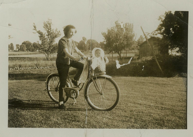 Grandma Peck & Baby Julie 1944A.jpg