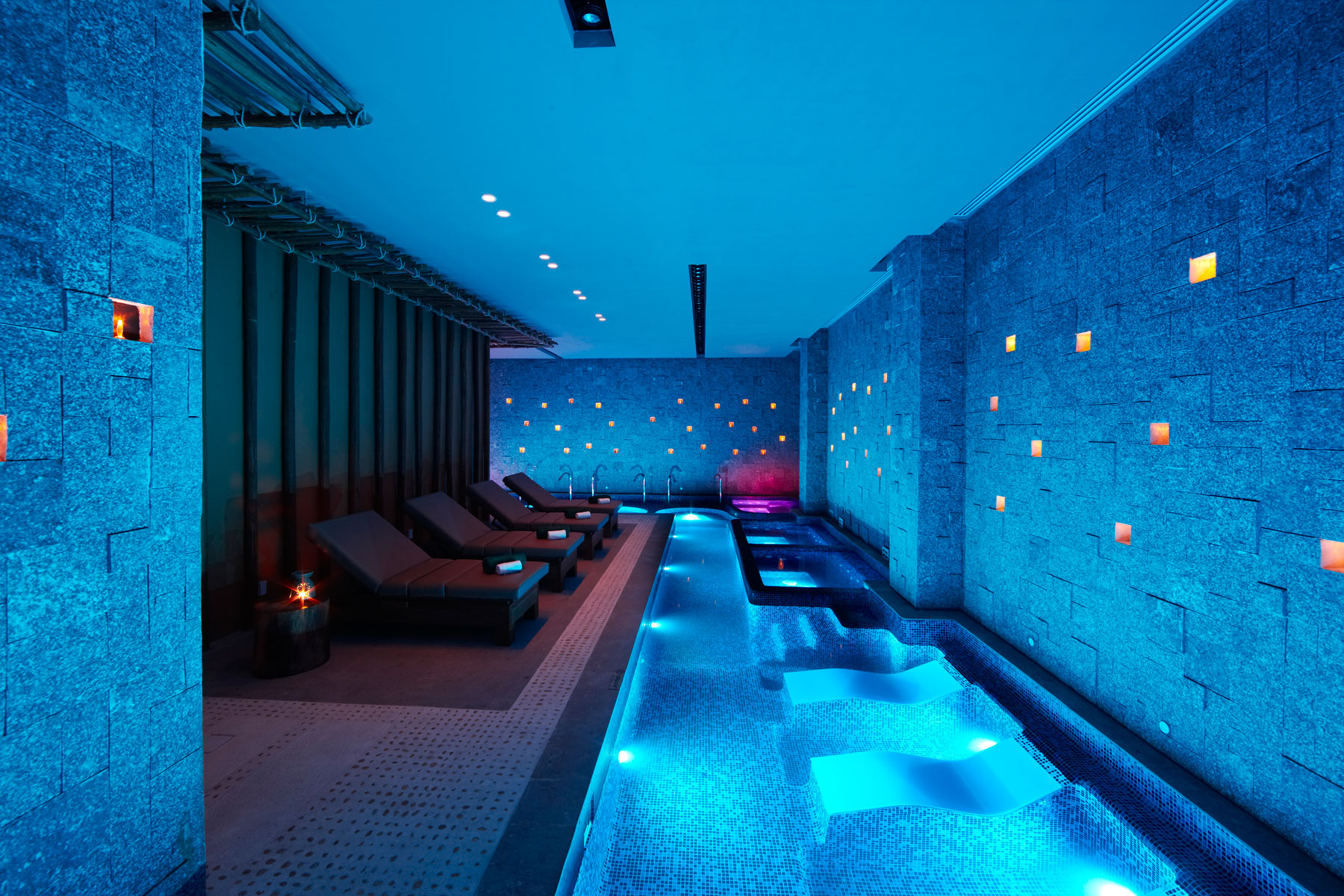2_28-BTMXMY_SG_0609_Spa_Rainforest_Vitality_Pool_019.jpg