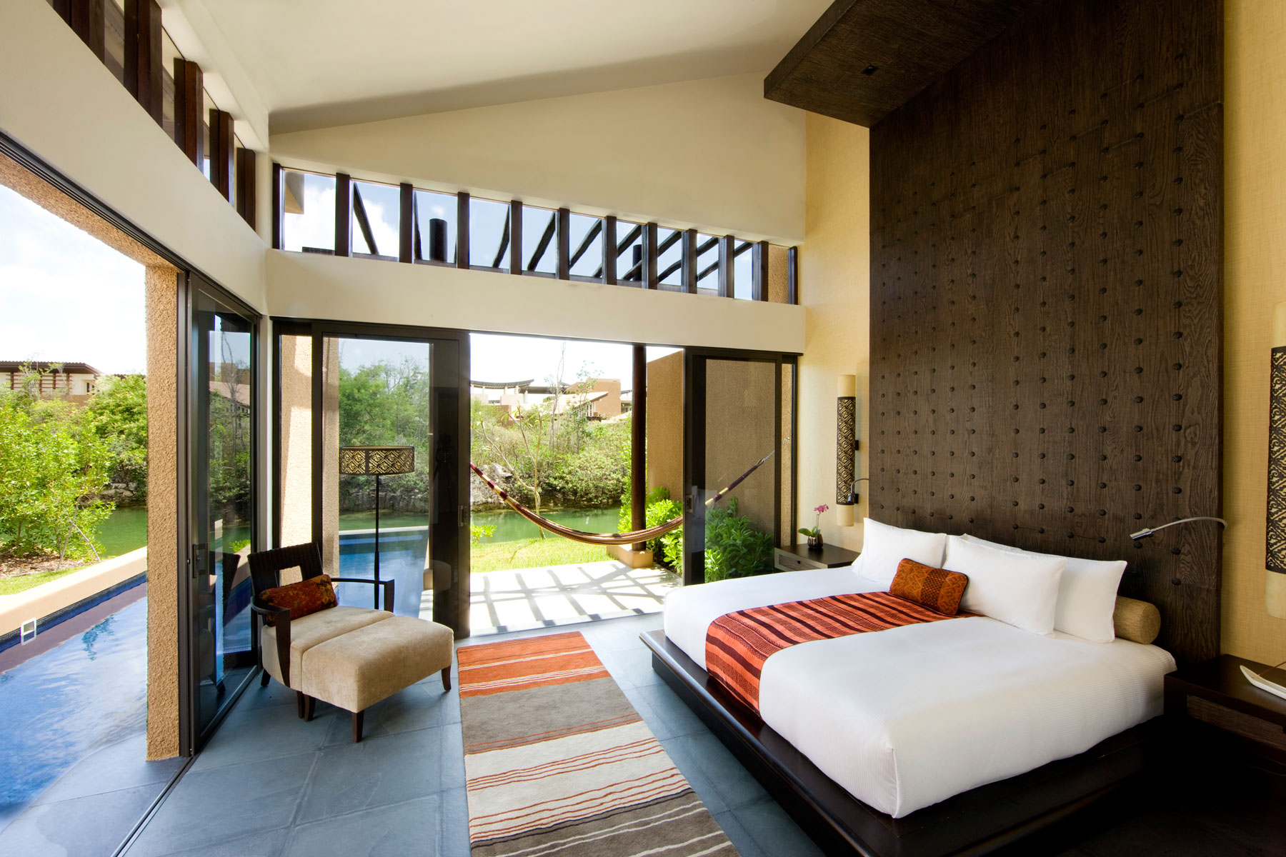 9_24-BTMXMY_SG_0609_Courtyard_Pool_Villa_Bedroom_007.jpg