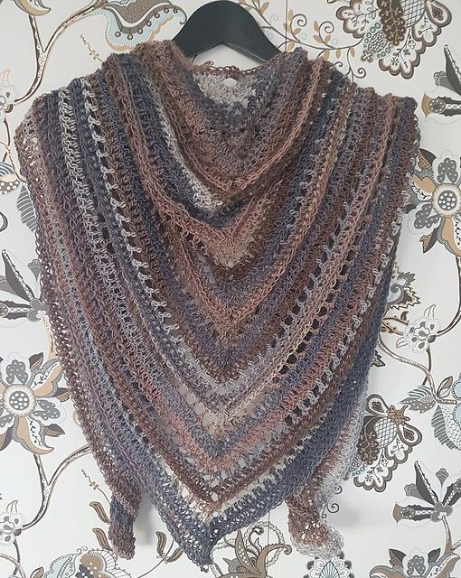photo and shawl by    Kajsa Hubinette