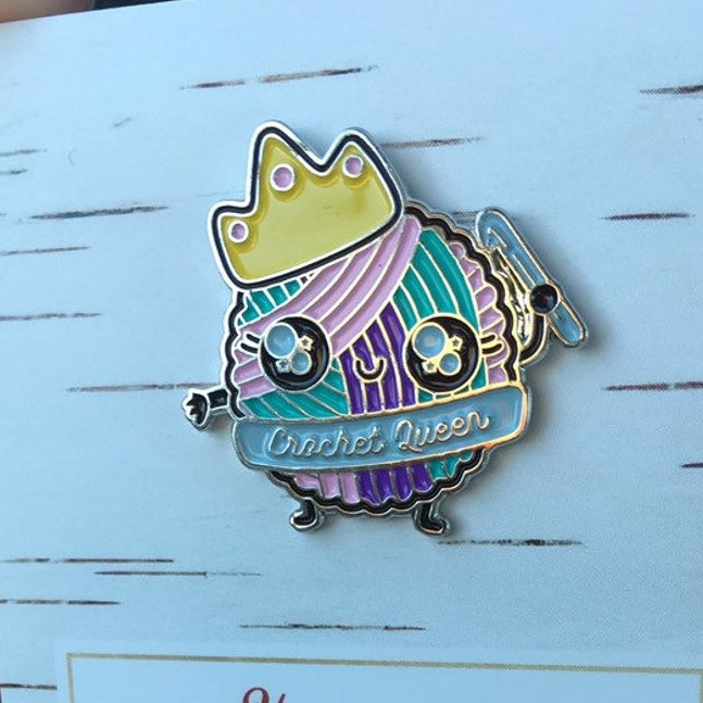 Crochet queen enamel pin