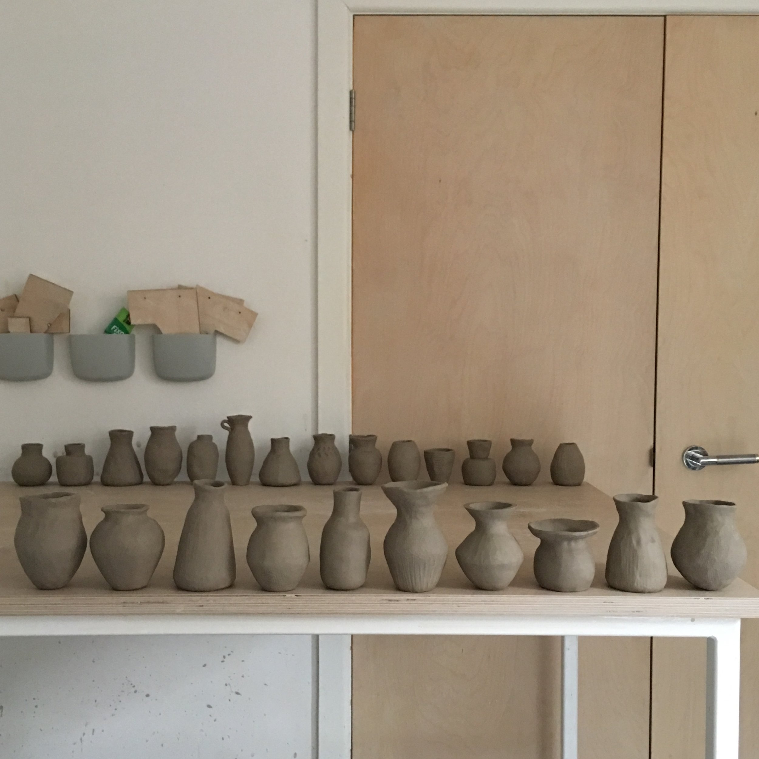 introduction_to_ceramics_pinch_pots.jpg