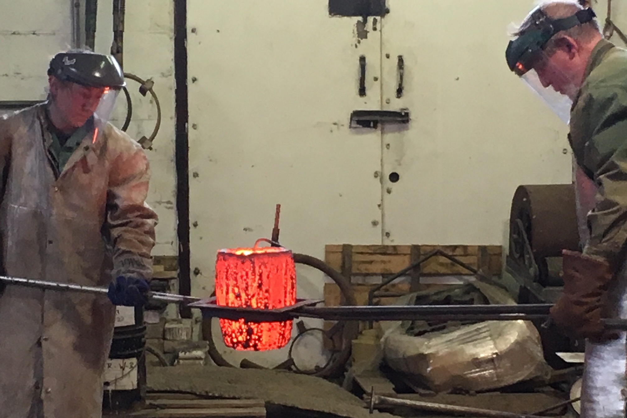 Bronze Pour - Gina Michaels and John N. Phillips hosted a bronze pour at their studio on ISC Day, April 28, 2018.