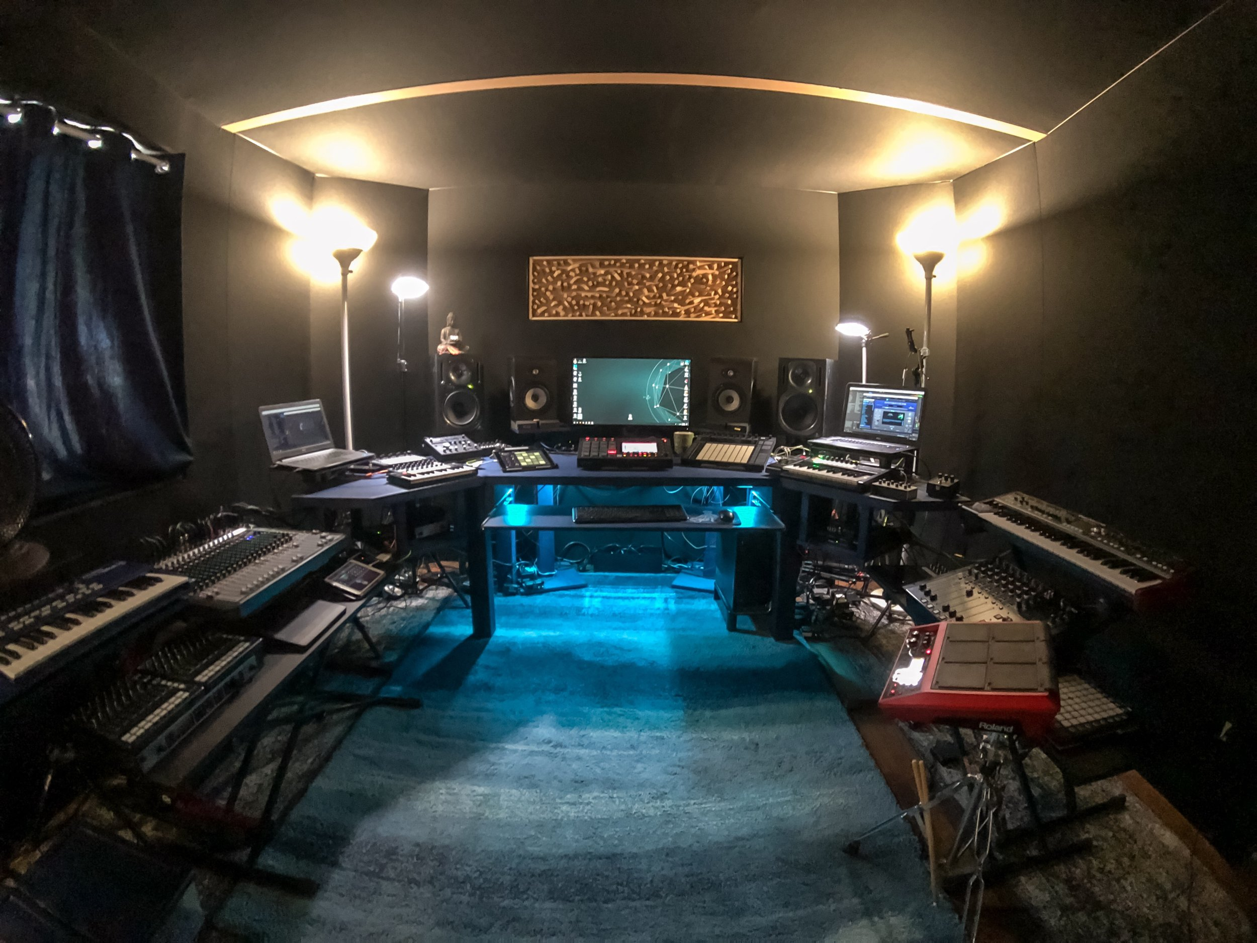 My work space at the start of 2019. I spend all-day, everyday here. My bedroom is the room next to this… 😲🤓😜