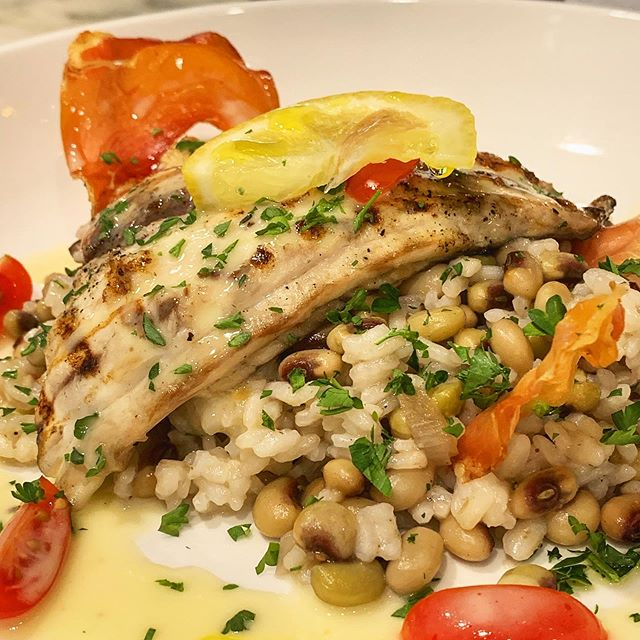 Grilled Redfish over Carolina Gold Rice and farmers market pinkeye peas! #ansonmills #bhamfood #bham #hoover #bhamrestaurants #local