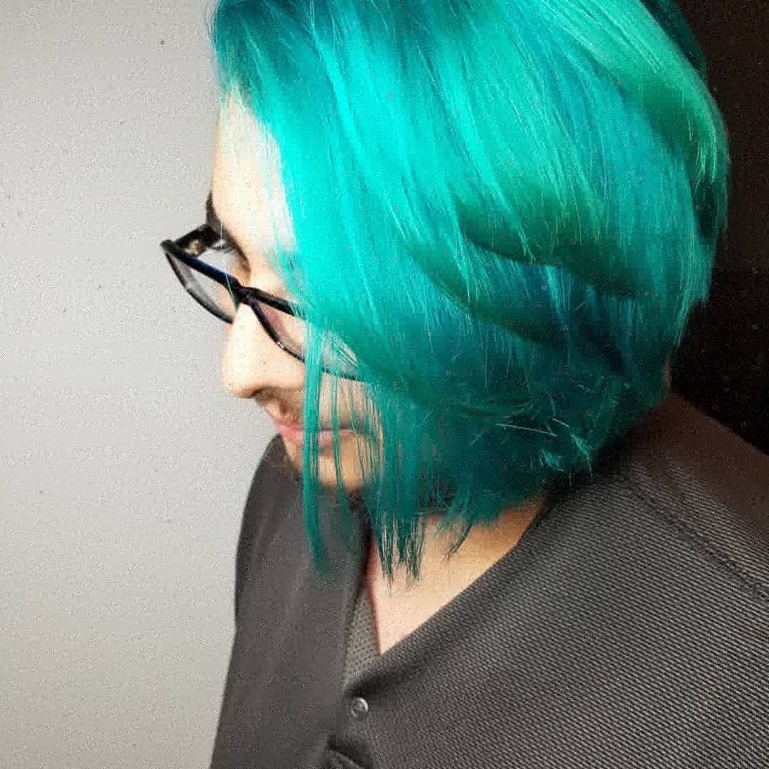 Cynthia Artistik Edge Hair Studio Lake Highlands Texas Green Hair.jpg