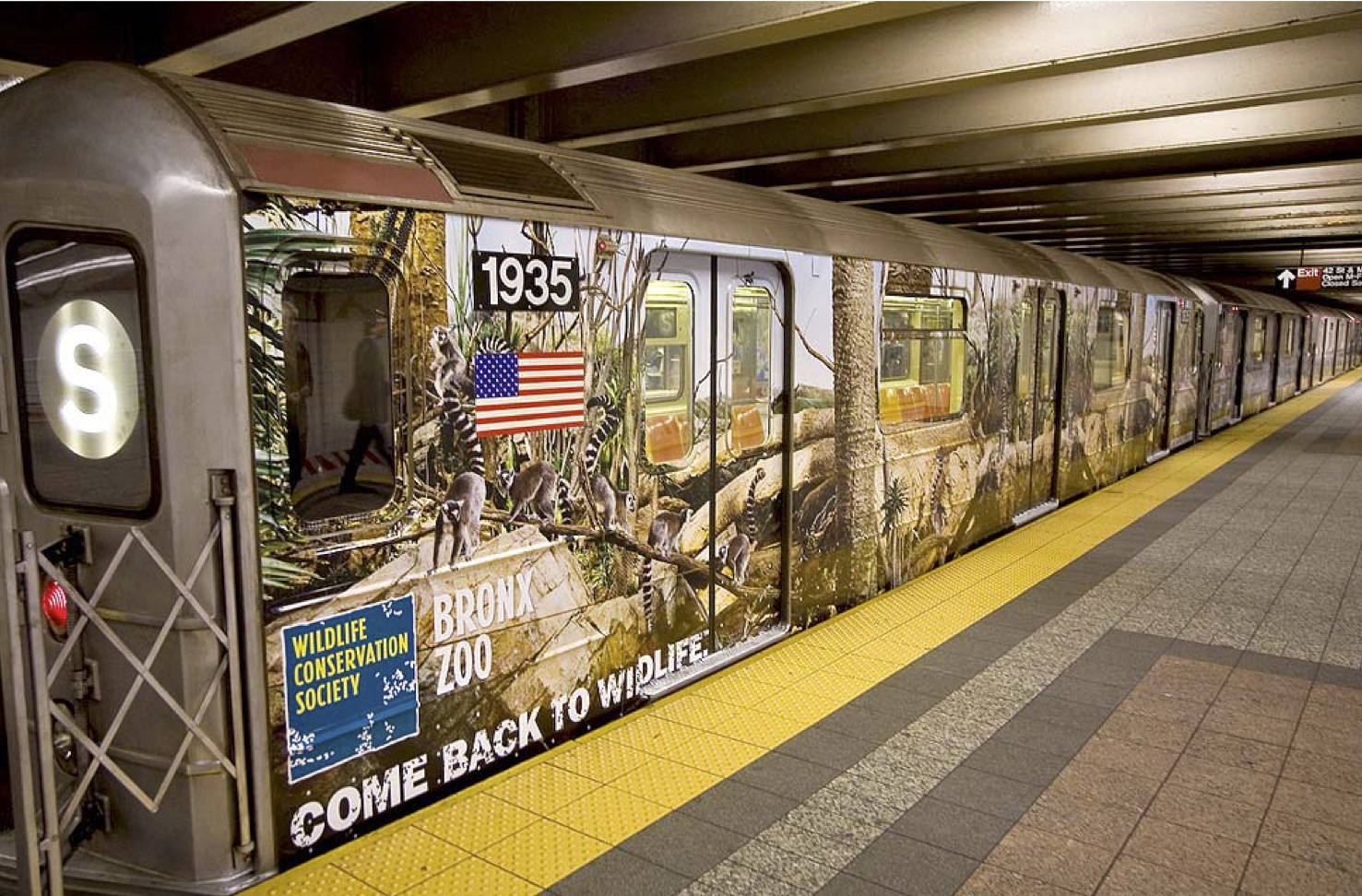 """""""Come back to wildlife"""" subway ad for Bronx Zoo"""