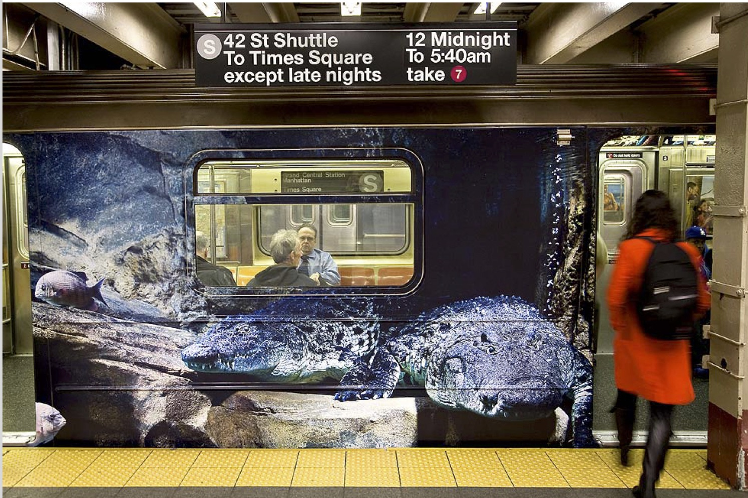 Dramatic subway ad campaign for Bronx Zoo