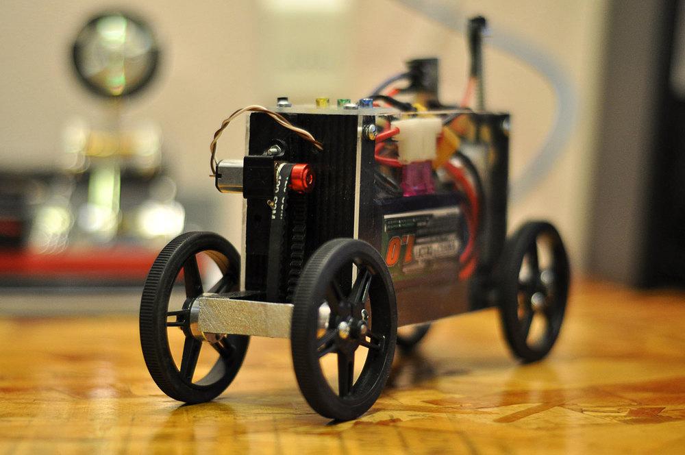 motorized-pinewood-derby-car-21.jpg
