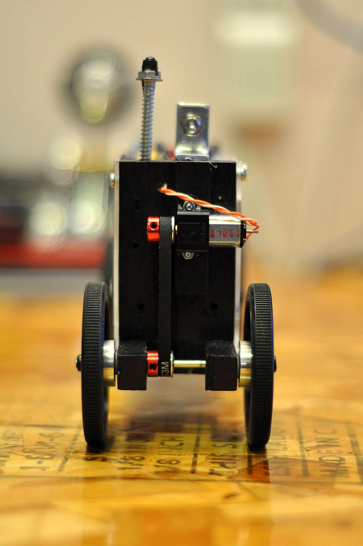 motorized-pinewood-derby-car-31.jpg