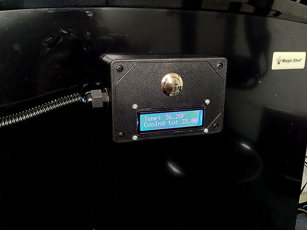Control box, houses the Arduino and LCD. The button is used to set the temperature.