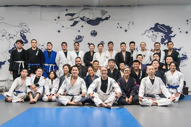 That's a wrap! Nathan Mendelsohn concludes our series of seminars with a very detailed clinic on mounted armbar techniques! Thank you Nathan and to all those who showed up to the amazing class!