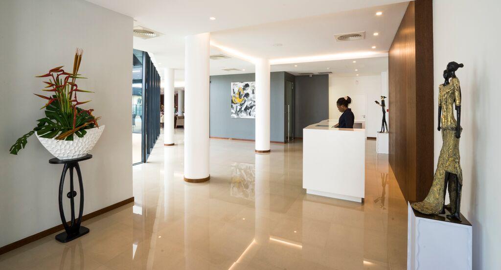Fiesta Residence Foyer-1.jpg