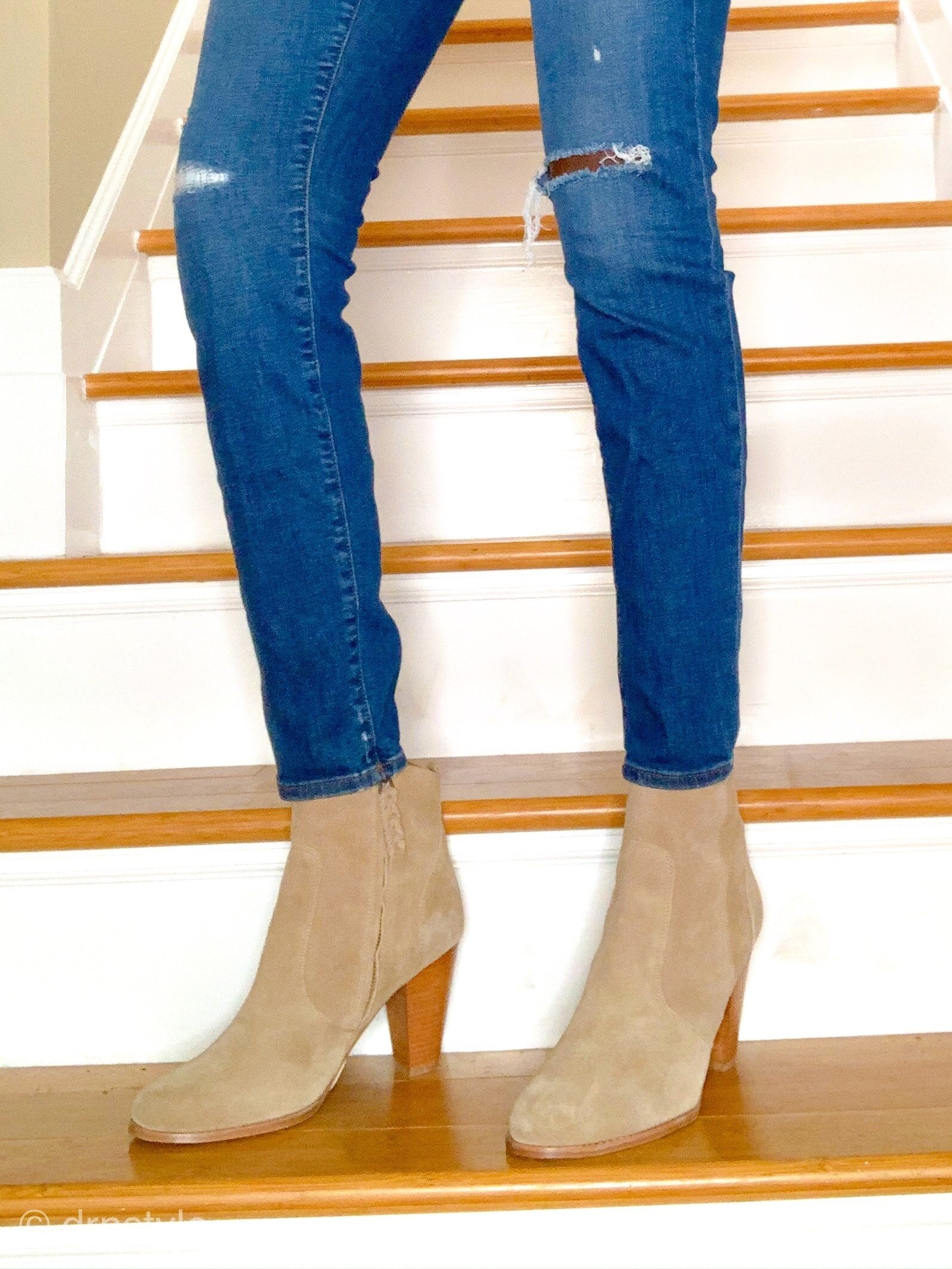 cropped skinny jeans and ankle boots-min.jpg