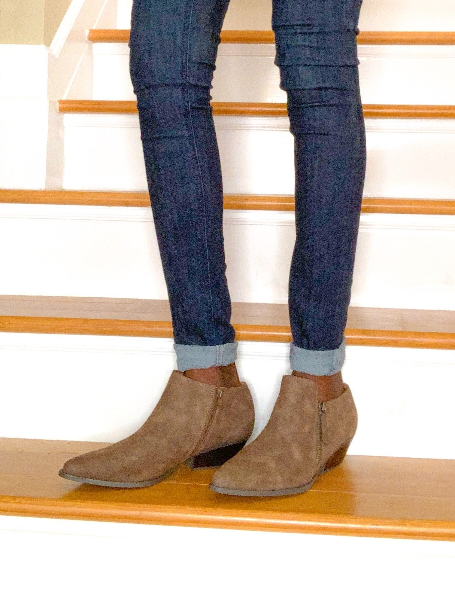 rolled jeans and low boots-min.jpg