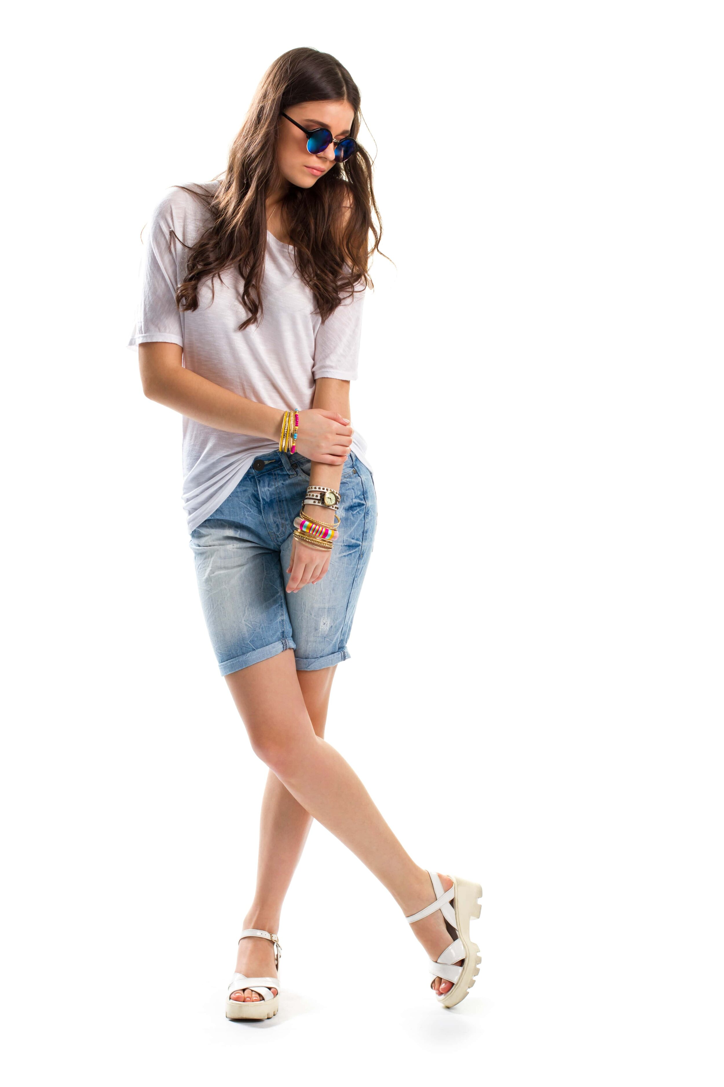 Bermuda shorts outfits women's fashion trend spring 2020. #springtrends #2020fashion #shorts #denim #casual #white #tee #tshirt #sandals #sunglasses #sunnies #bangles #bracelets