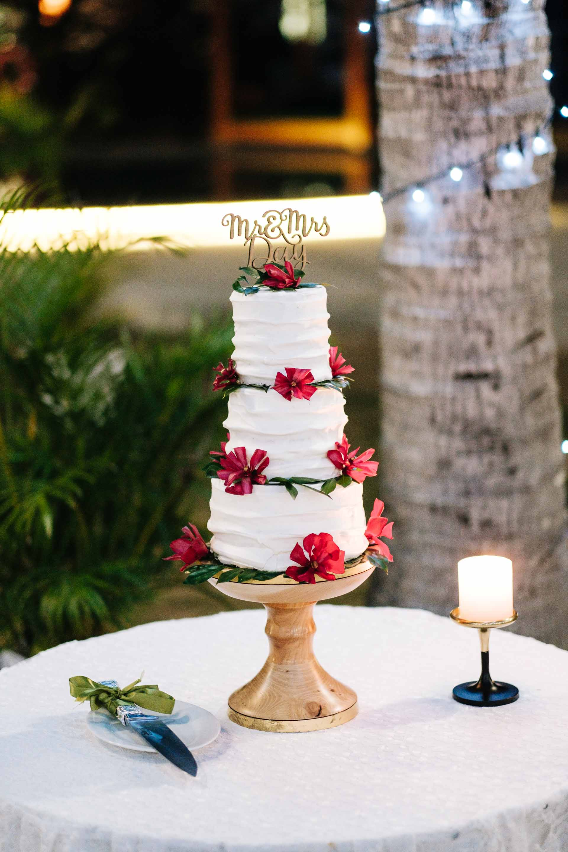 the wedding cake on its table