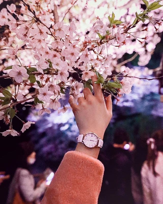 White marble matches perfectly with #cherryblossom